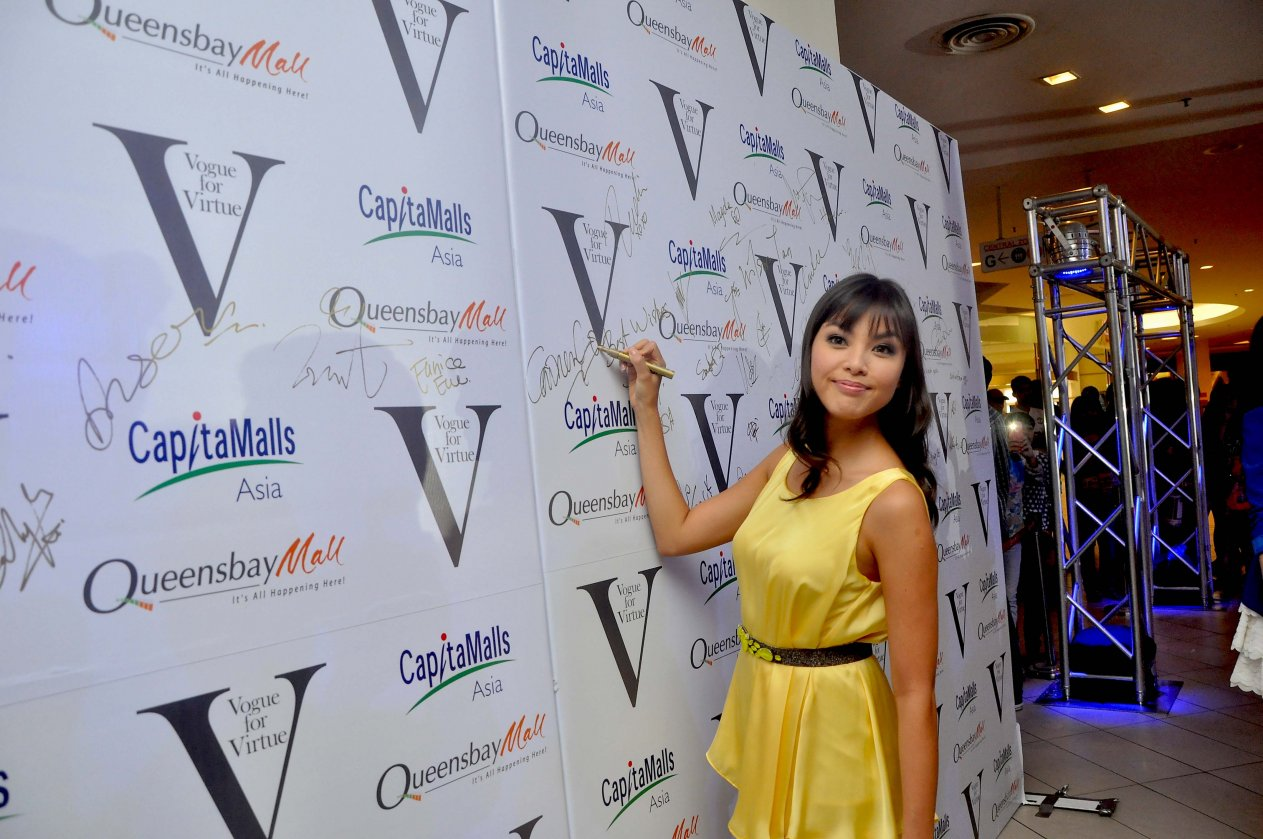 Vogue For Virtue Charity Fashion Show 2013 2